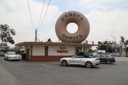 We had an orange glazed donut... Very tasty!
