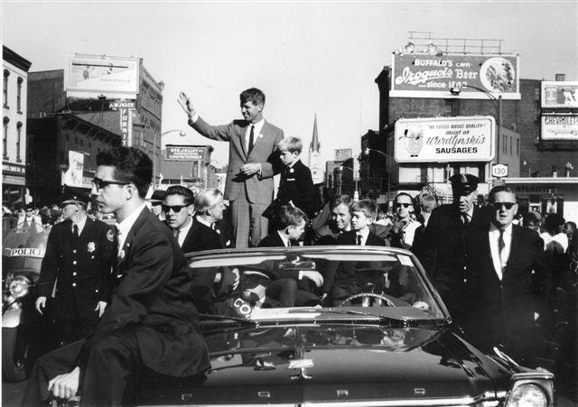 pulaskie_day_parade_redo-Bobby-Kennedy