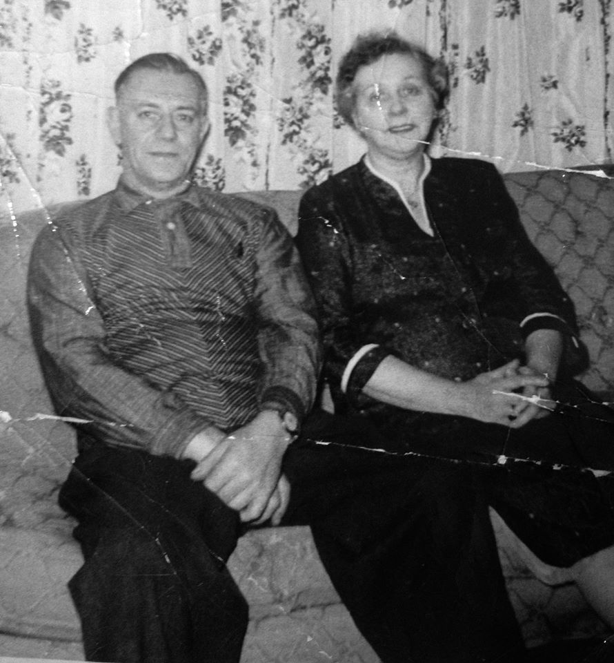 My aunt set me this great photo of my great grandparents... Mr. & Mrs. James Scurr of Seneca Street. He was born in North Shields, Tynemouth, England, and she was born Margaret Doyle in Coatbridge, Scotland... shortly after her family moved from Banbridge, Down, Ireland.